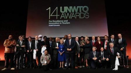 Innovation: comme «Prix de l'innovation en tourisme» des Nations unies ; comme Portugal, Inde, Indonésie ou Espagne